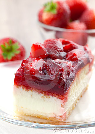Free Strawberry Cream Cake Stock Photos - 16366103