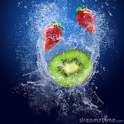 Strawberry and kiwi under water