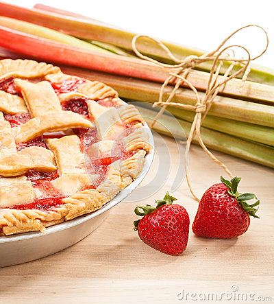 Free Strawberry Rhubarb Pie Stock Image - 32521291