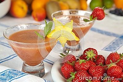 Strawberry smoothie duo