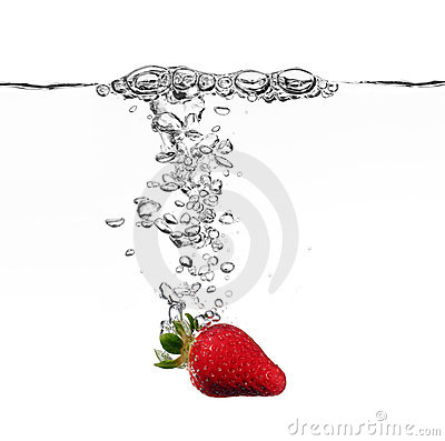 Free Strawberry Splash In Water Royalty Free Stock Photos - 6361498