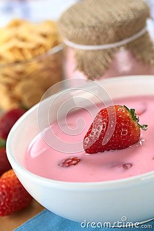 Free Strawberry Yogurt Royalty Free Stock Photo - 20527135