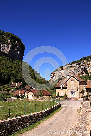 Street and houses Baume les Messieurs