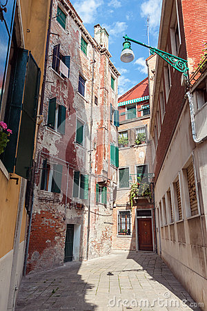 Free Street In Venice Royalty Free Stock Photography - 73202917