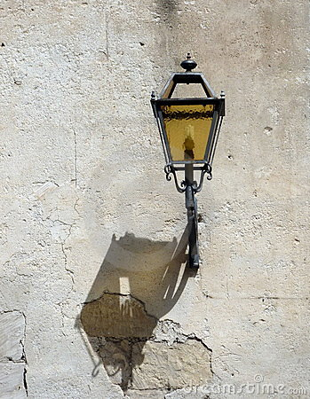 Street lamp with shadow