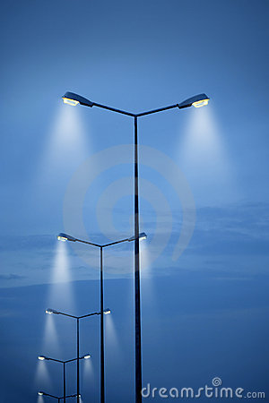 Free Street Light Royalty Free Stock Photo - 16682465