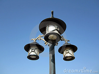 Street light lamppost