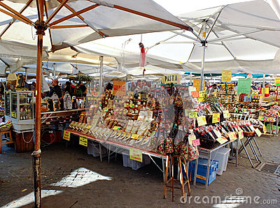 Street market in Rome, Italy Editorial Stock Image
