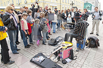 Street musician Editorial Photo