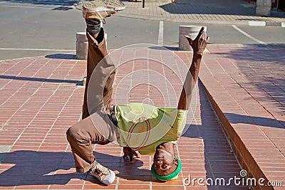 Street Performance near Mandela's house Editorial Stock Image