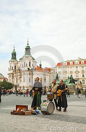 Street performers at Old town square in Prague Editorial Stock Photo