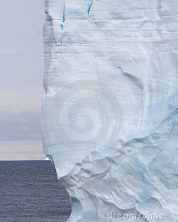 Striations d iceberg tabulaires