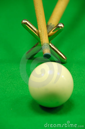 Striking the cue ball with a short rest