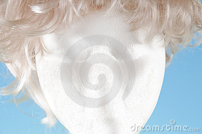 Strofoam head with wig