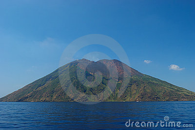 Strombolis volcan sicily