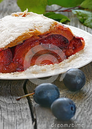 Free Strudel With Plums Stock Photography - 35261122