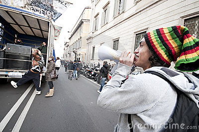 Student demonstration in Milan december 14, 2010 Editorial Photo
