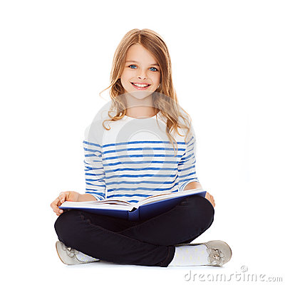 Free Student Girl Studying And Reading Book Royalty Free Stock Images - 33876199