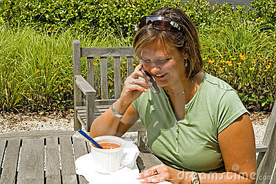 Student Lunch Outdoors