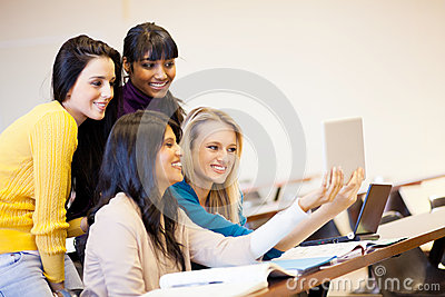 Students using tablet computer