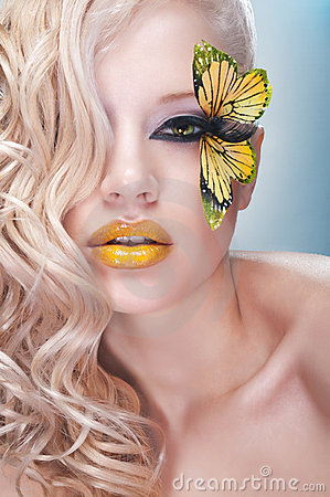 Free Studio Beauty Portrait With Yellow Butterfly Stock Photography - 19033112