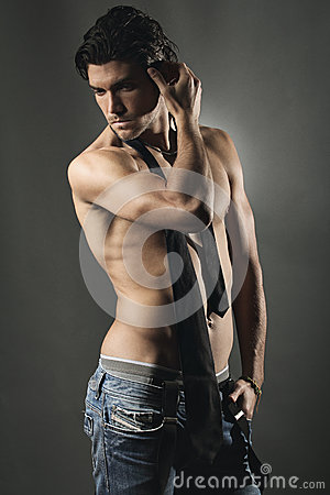 Free Studio Shot Of An Handsome Man Shirtless Royalty Free Stock Photography - 34617317