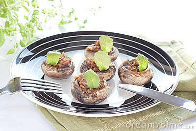 Stuffed champignon caps