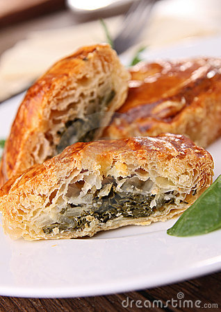 Stuffed puff with spinach