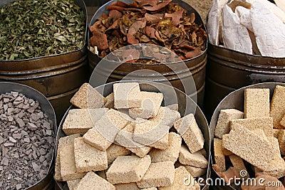 Stukken van puimsteen op de markt, Marokko