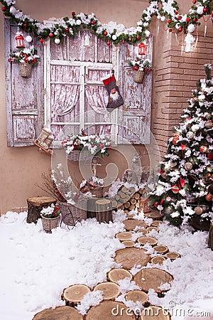 Free Stumps Path Leeds To Christmas Tree Stock Images - 78332964