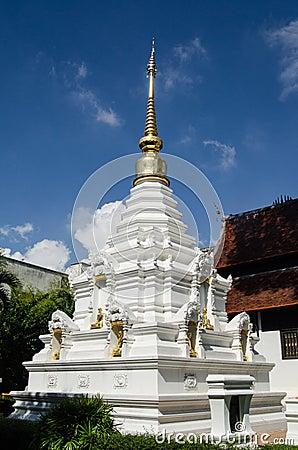 白色和金子Stupa,泰国