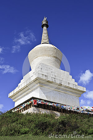 Free Stupa At Songzanlin Temple, Largest Tibetan Buddhist Monastery In Yunnan Province, China. Royalty Free Stock Image - 93078206