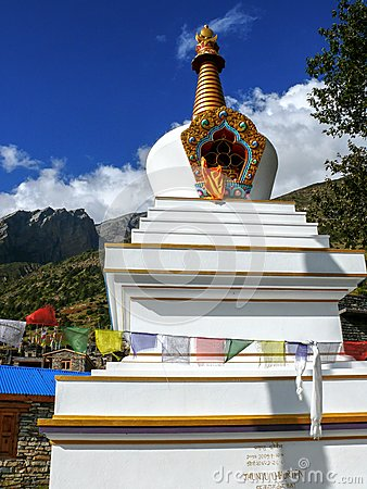 Free Stupa In Ghyaru, Nepal Royalty Free Stock Photo - 53796865