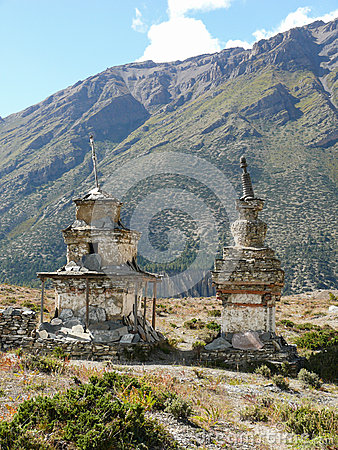 Free Stupas Near Ngawal, Nepal Royalty Free Stock Photography - 54777717