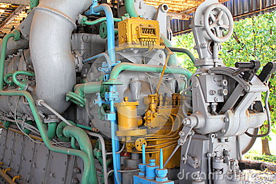 Submarine engine