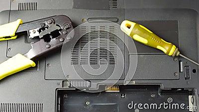 Substituição da bateria no portátil vídeos de arquivo