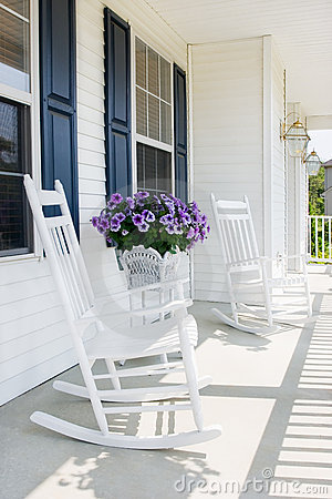 Free Suburban Front Porch Stock Photography - 4225512