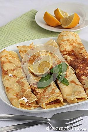 Sugar and lemon pancakes