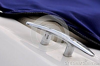 Sujeción de la cuerda en el yate