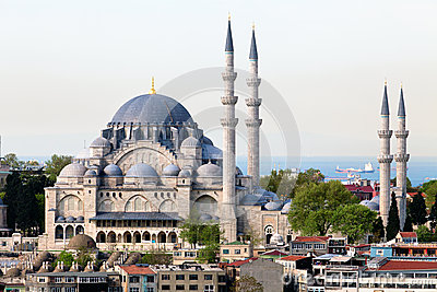 The Suleymaniye Camii mosque in the center of Ista