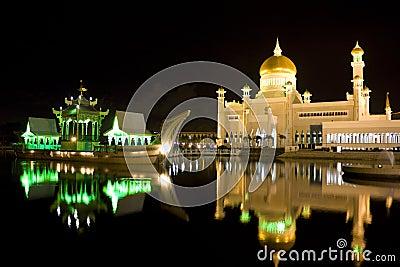 Sultan Omar Ali Saifuddien Mosque, Brunei
