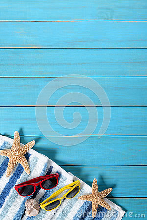 Free Summer Beach Background Border, Sunglasses, Towel, Starfish, Blue Wood Copy Space, Vertical Royalty Free Stock Image - 73350116