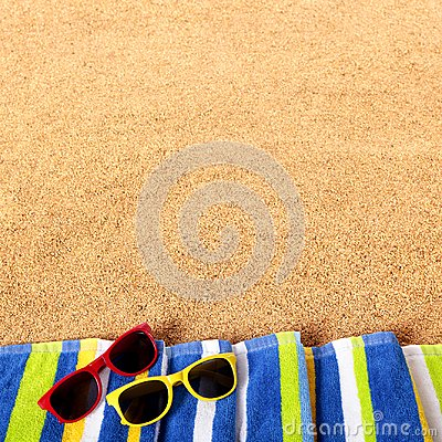 Free Summer Beach Border Sunglasses Background Square Format Stock Photo - 114894230
