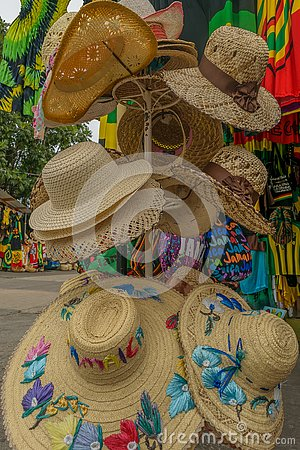 Free Summer Beach Hats/ Sun Hats For Sale At Craft Market Stock Photography - 141908232