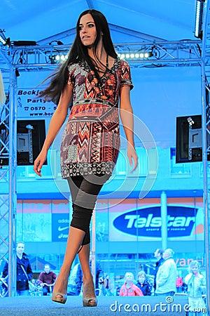 Free Summer Fashion Model Royalty Free Stock Photos - 14199988