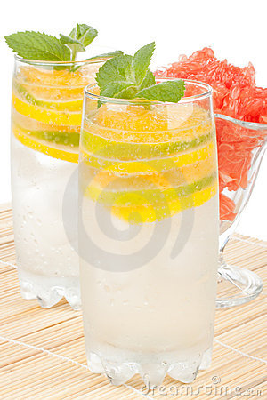 Free Summer Fruity Drink With Ice Royalty Free Stock Images - 15073289