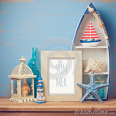 Free Summer Holiday Poster Mock Up Template With Home Decor Objects Royalty Free Stock Image - 70713406