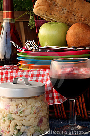 Free Summer Picnic Stock Photography - 14587882