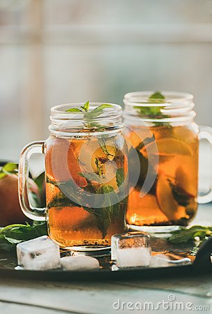 Free Summer Refreshing Cold Peach Ice Tea On Tray, Vertical Composition Stock Photo - 119388480