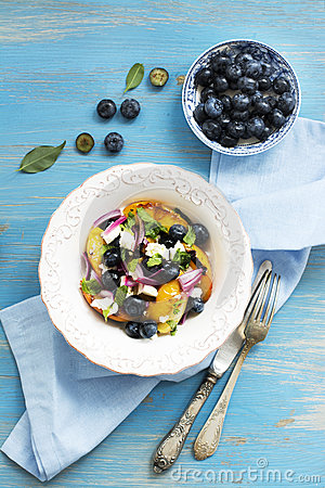 Free Summer Salad With Grilled Peaches, Blueberry And Feta Cheese Royalty Free Stock Image - 75010916